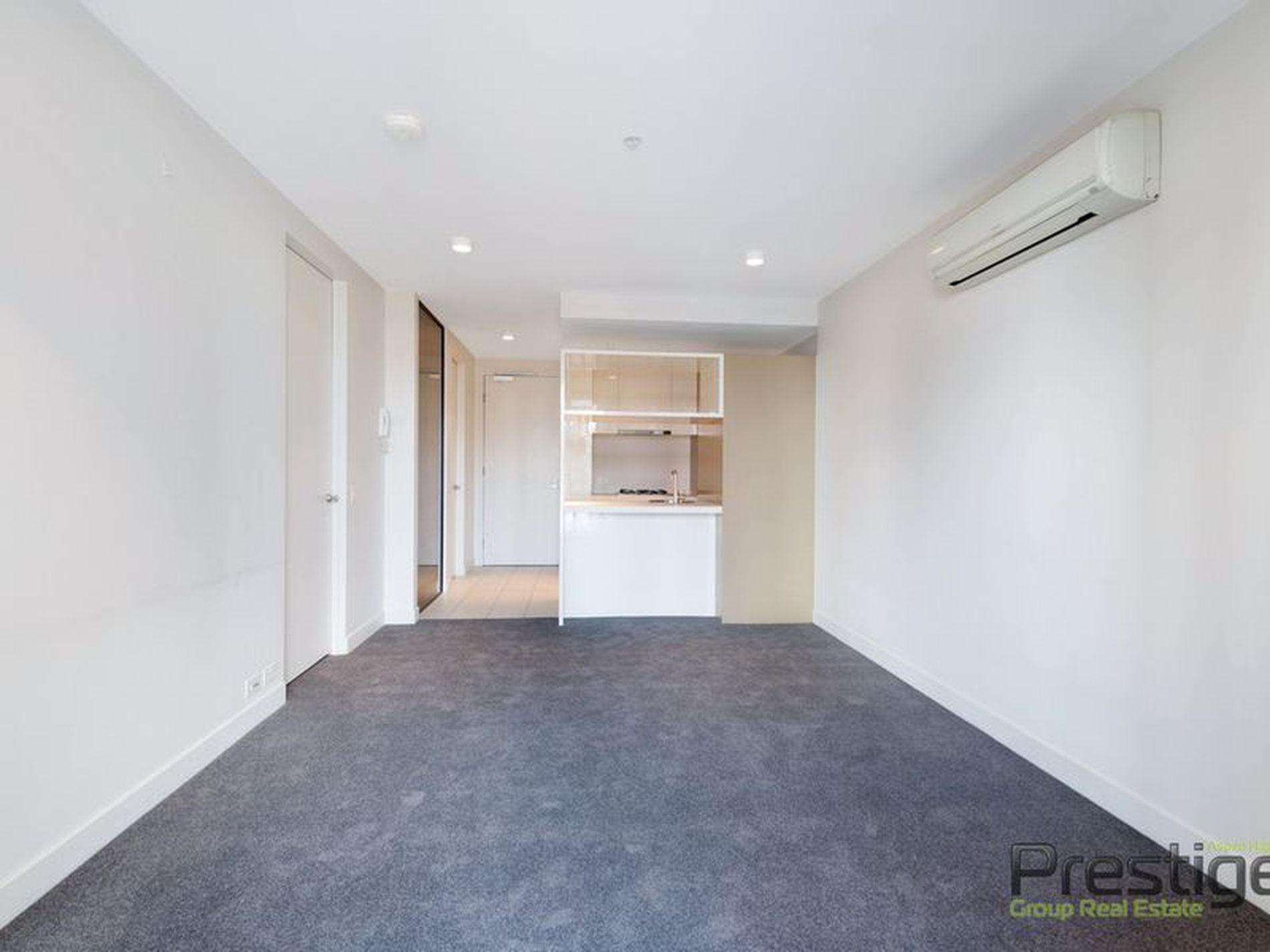 1610 / 33 Mackenzie Street, Melbourne