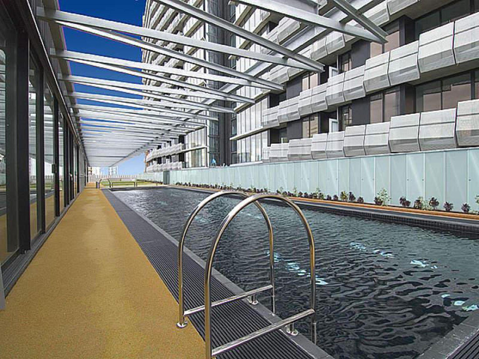 200 / 18 Waterview Walk, Docklands