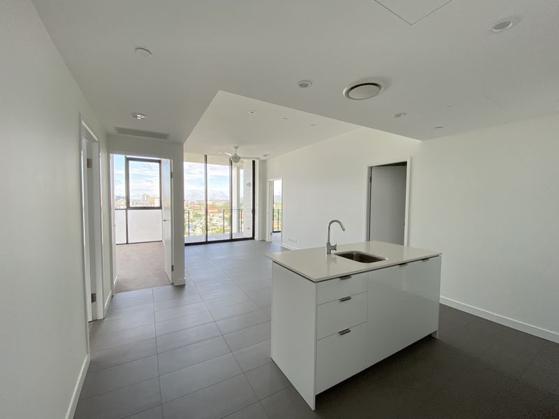 2202 / 10 Trinity Street, Fortitude Valley