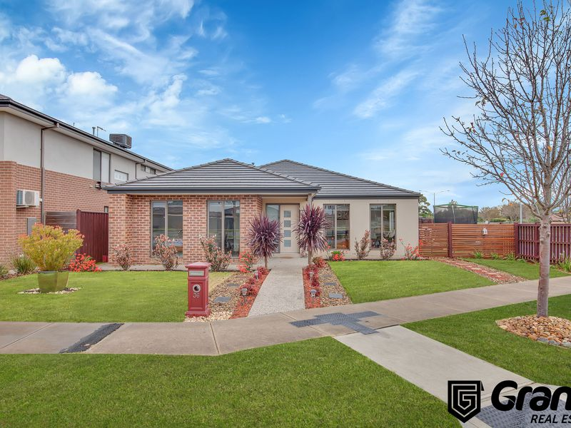 36 Chancellor Drive, Cranbourne West