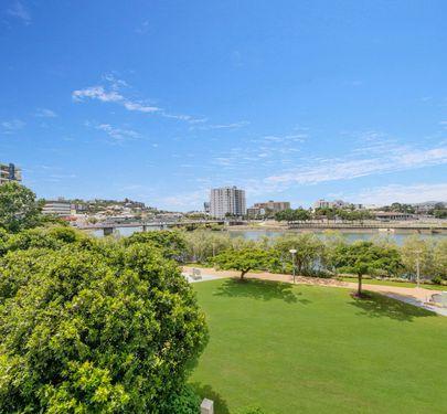 48 / 11-17 Stanley Street, Townsville City