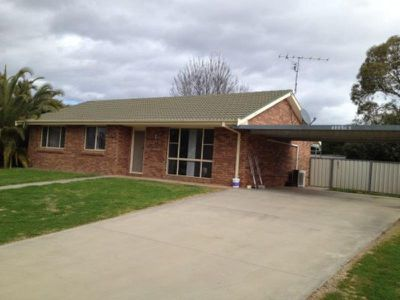 1 Caley Close, Tamworth
