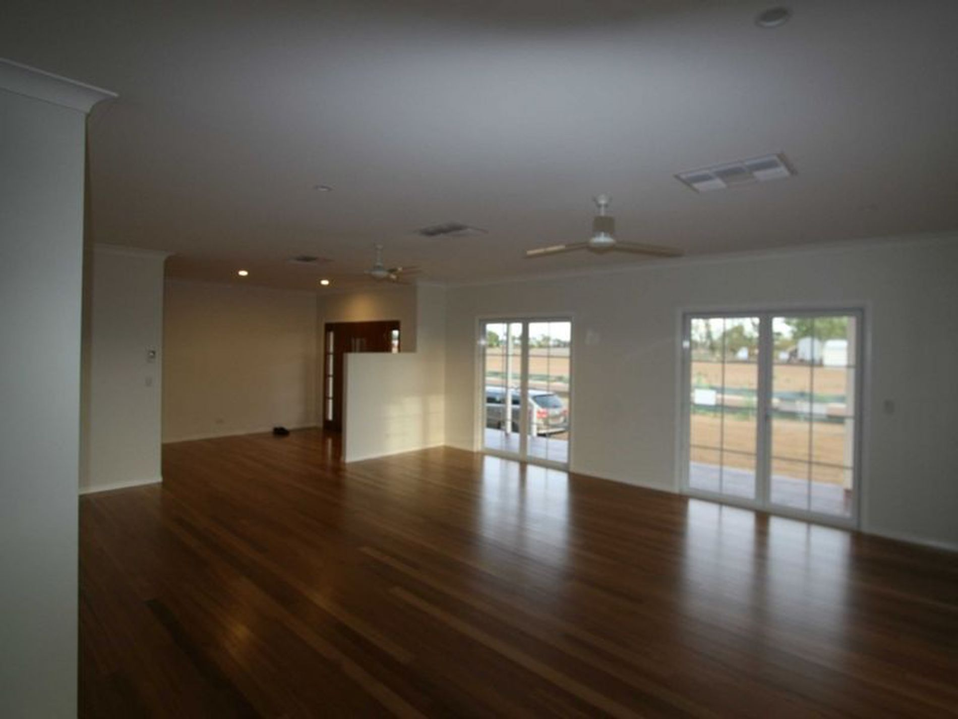 2 Little Curlew Court, Longreach