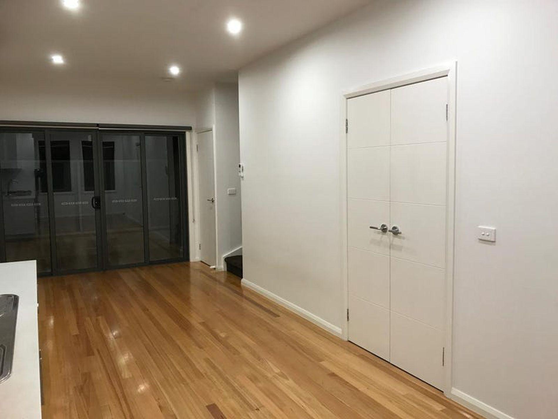 8 / 28 Eleanor Street, Footscray