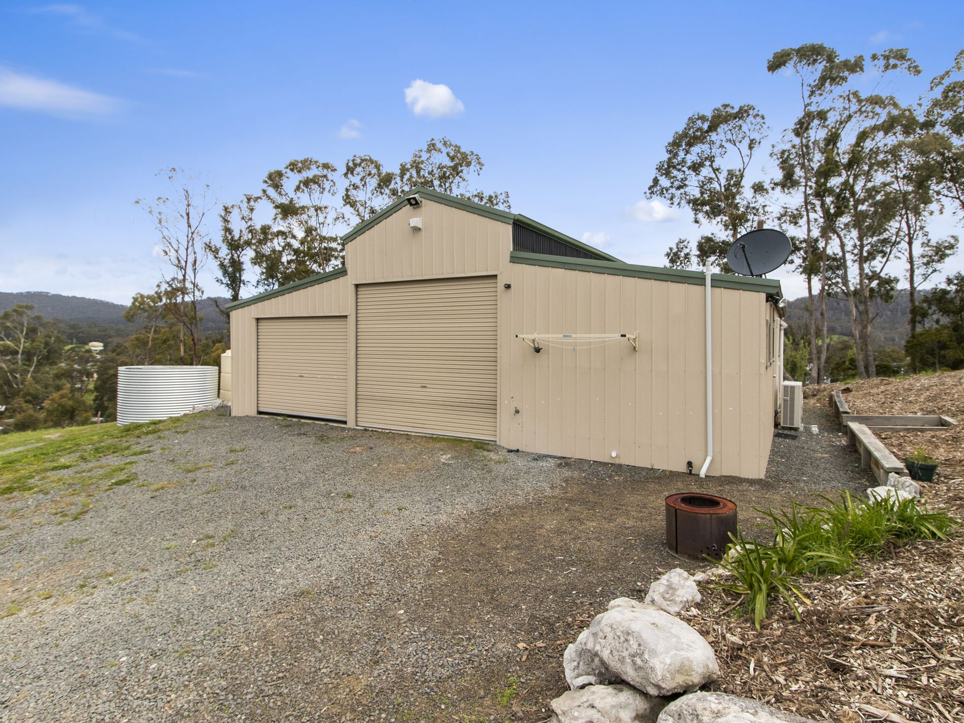 5 Glovers Road, Deep Bay