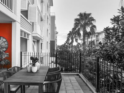 212 / 2 Palm Avenue, Breakfast Point