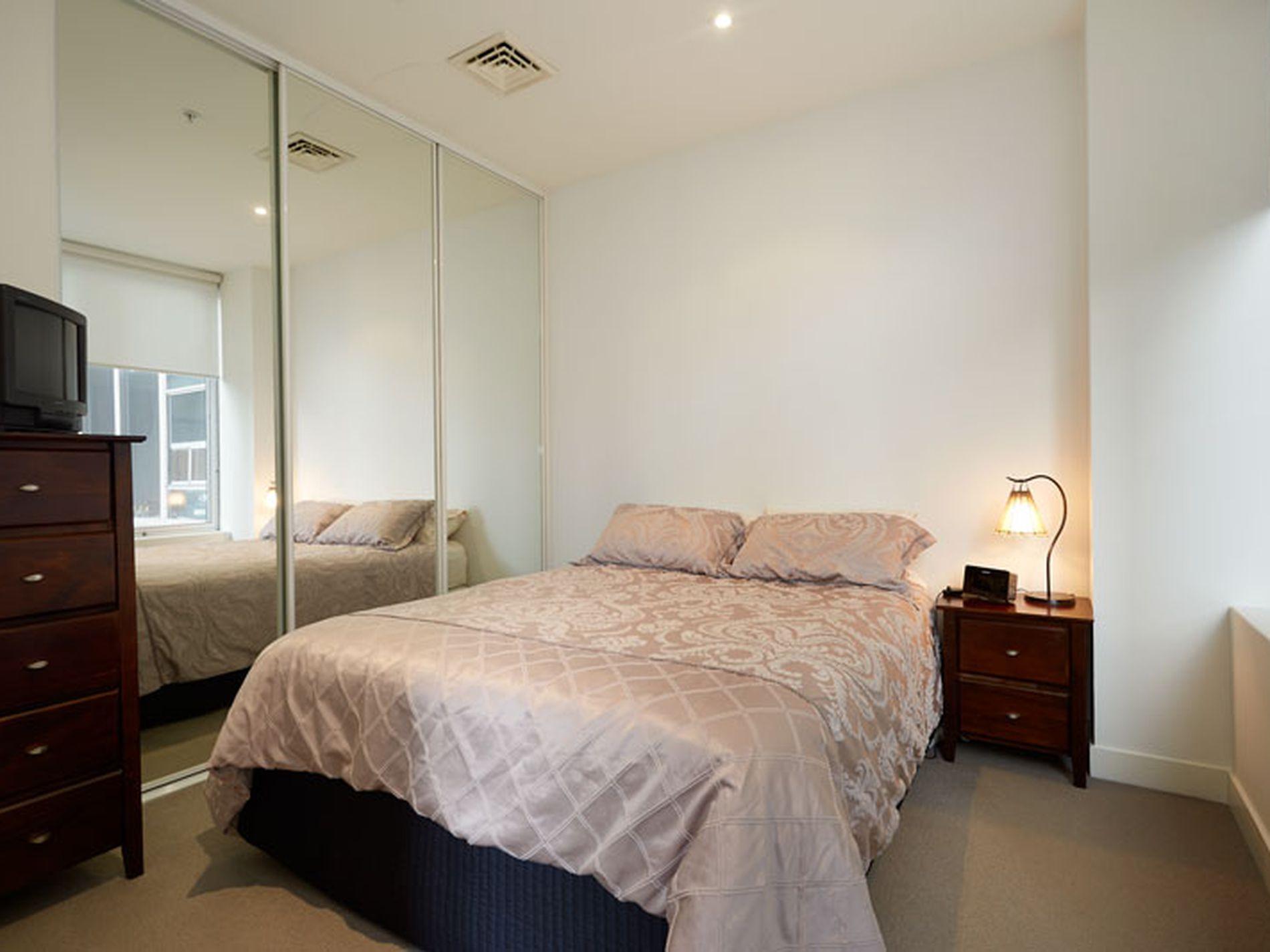904 / 325 Collins Street, Melbourne