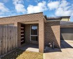 3 / 39 Claire Way, Tarneit