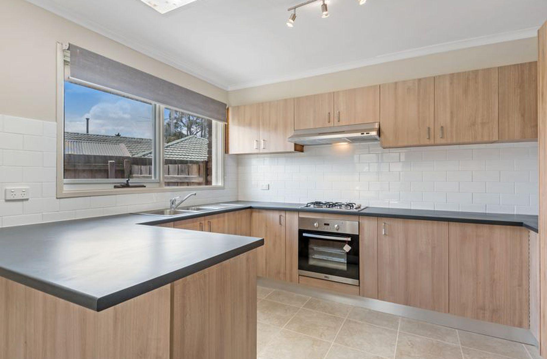 6 Parton Place, Craigieburn