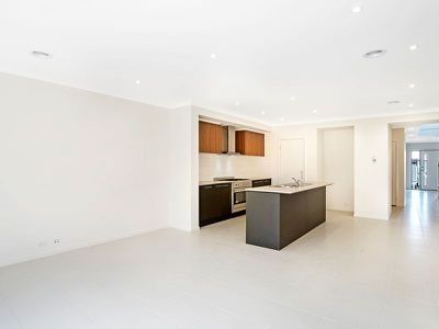 6 Living Crescent, Point Cook