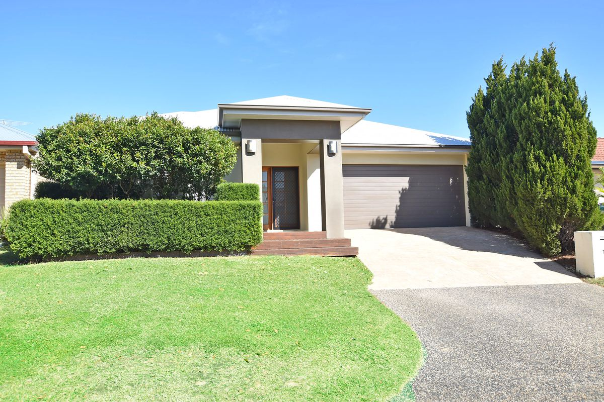 Four Bedroom Home in North Lakes