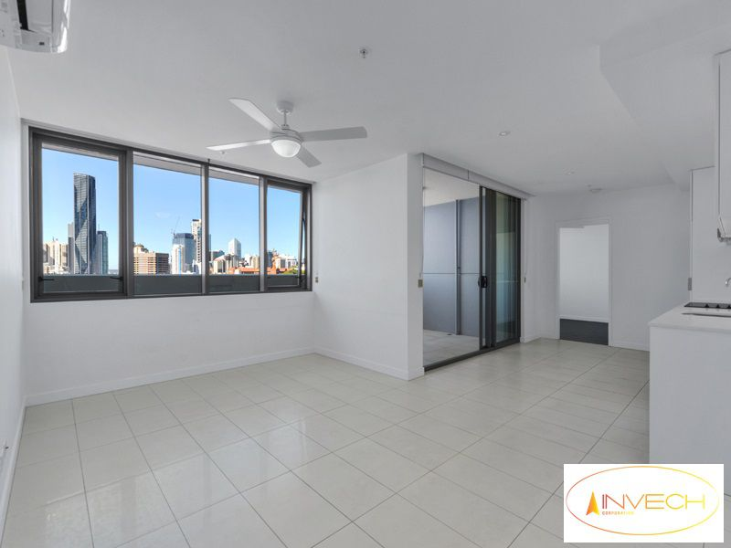 1210 / 338 Water, Fortitude Valley