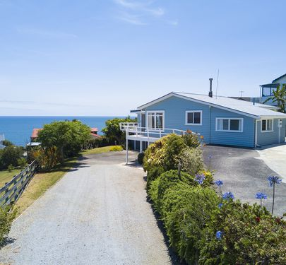 24 Seaview Road, Cable Bay