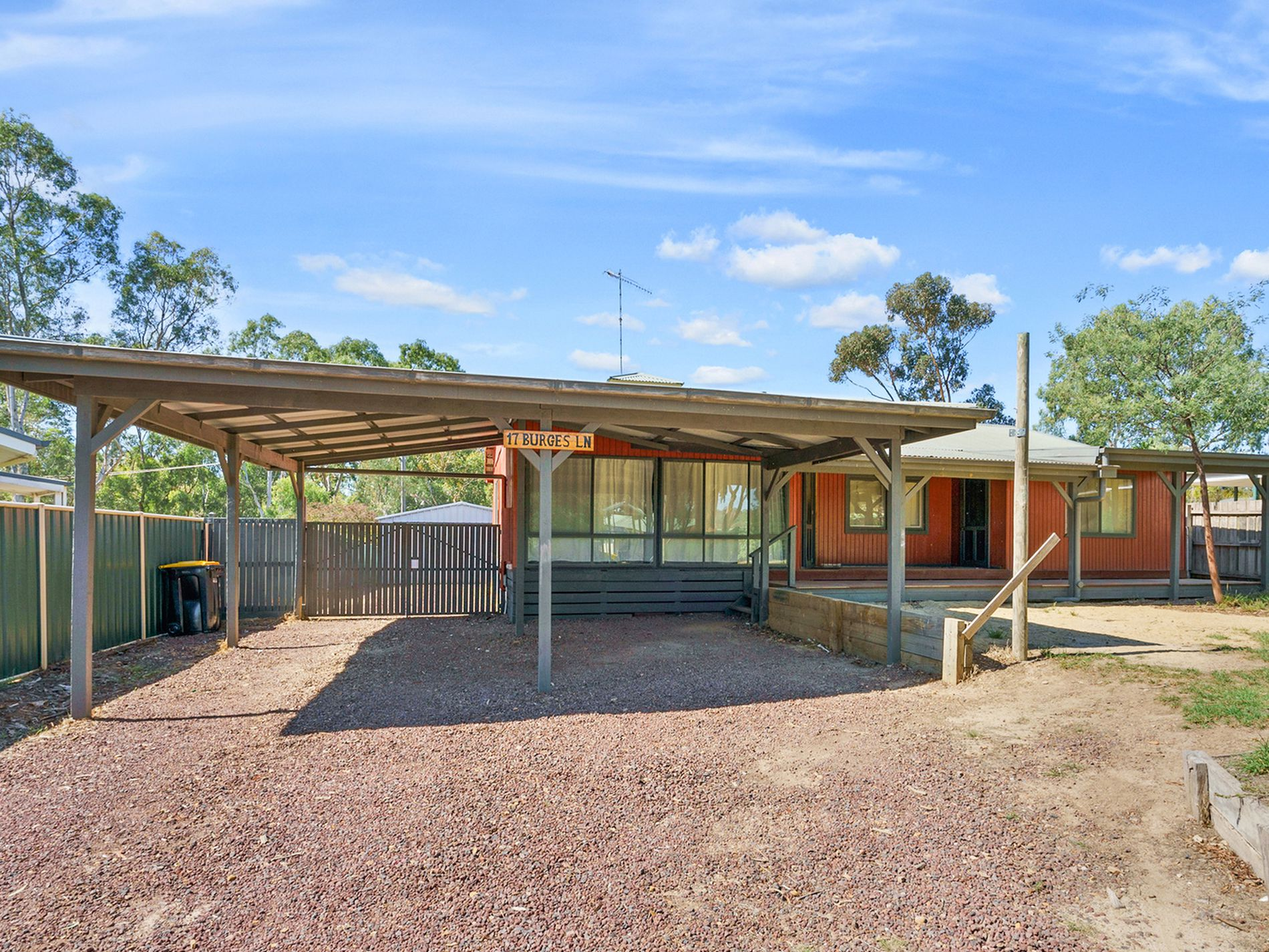 17 BURGES LANE, Broadford