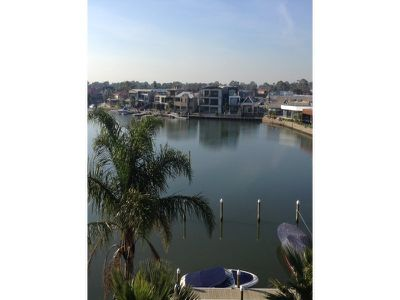 11 / 3 Inner Harbour Drive, Patterson Lakes