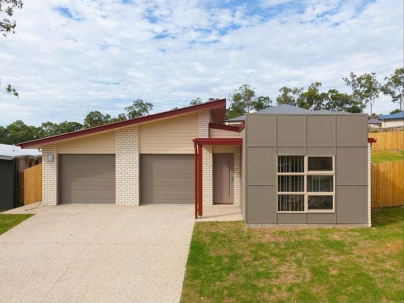 12 OAKWOOD PLACE, Chuwar