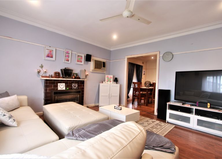 1401 North Road, Oakleigh East