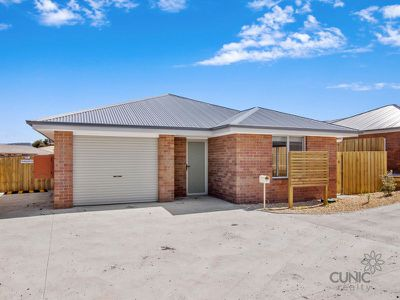 24 / 6 Dubs Drive & Co Drive, Sorell