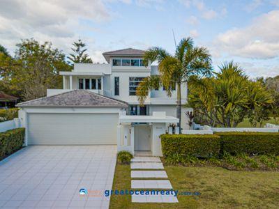 8441 Magnolia Drive, Hope Island
