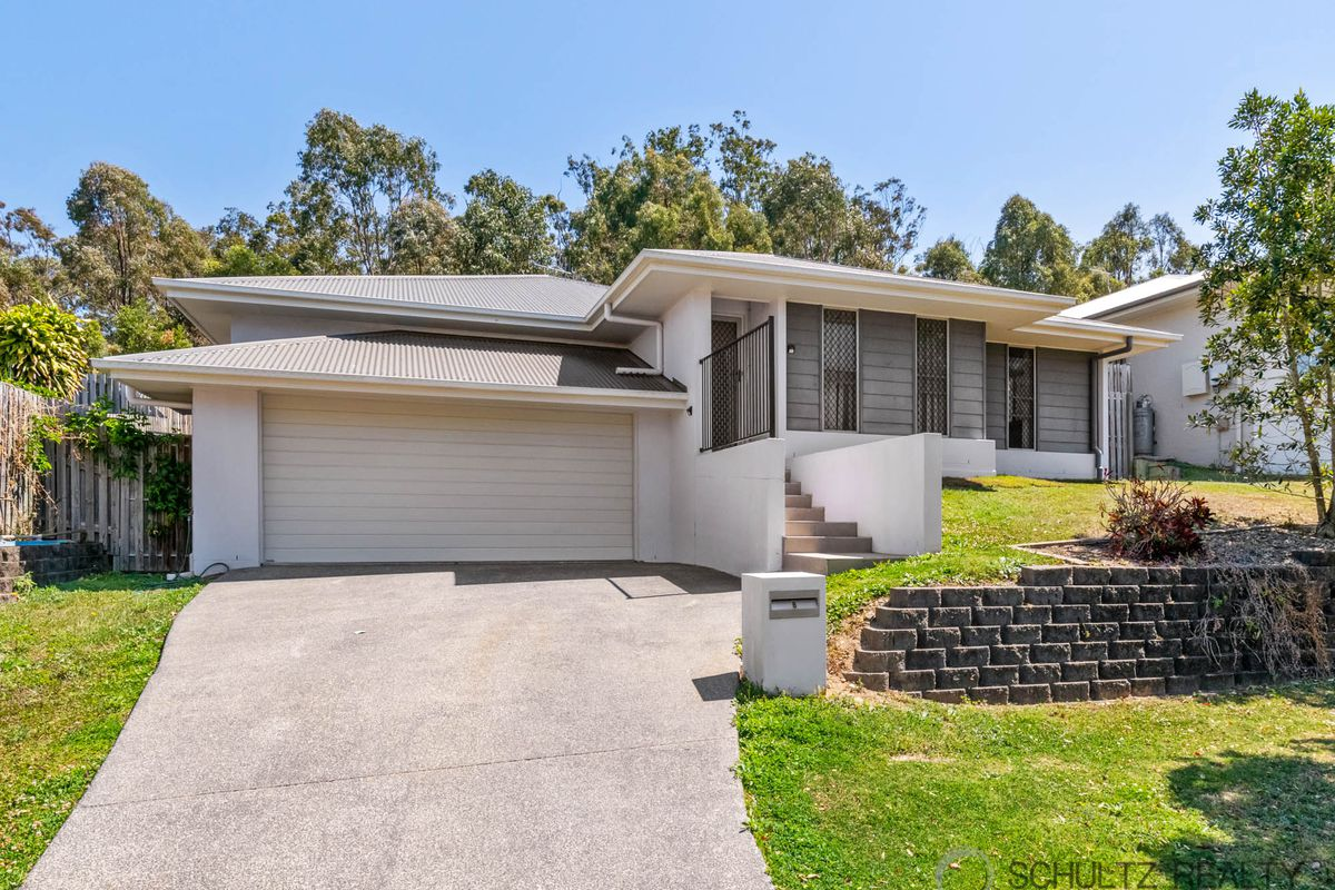 Rare find - Modern 5 bed, 2 bath, home with 3 living areas and double garage