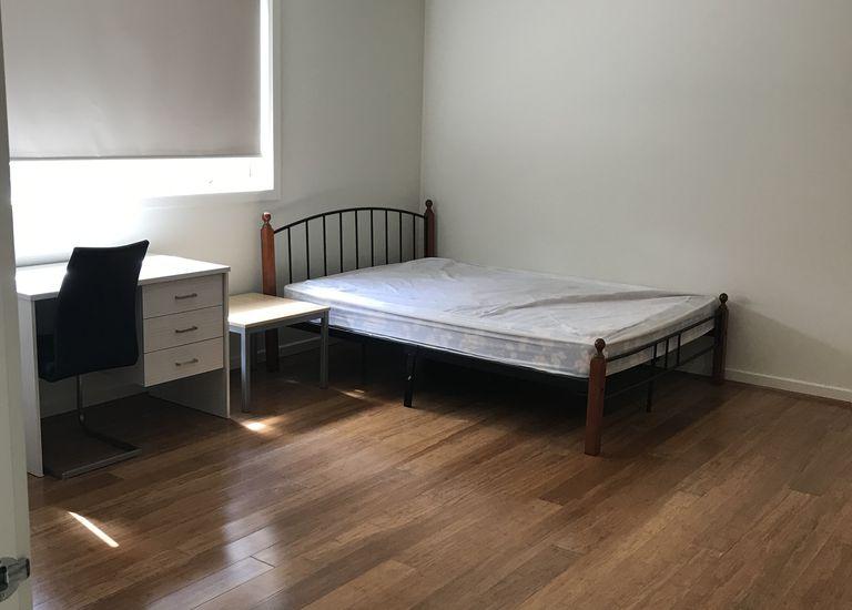 Room 4 / Unit 1 @ 108 Wellington Road, Clayton