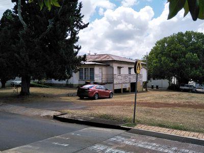 15 MABEL STREET, Atherton