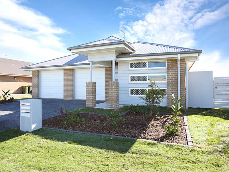 2 / 18 BUTLER CRESCENT, Caboolture South