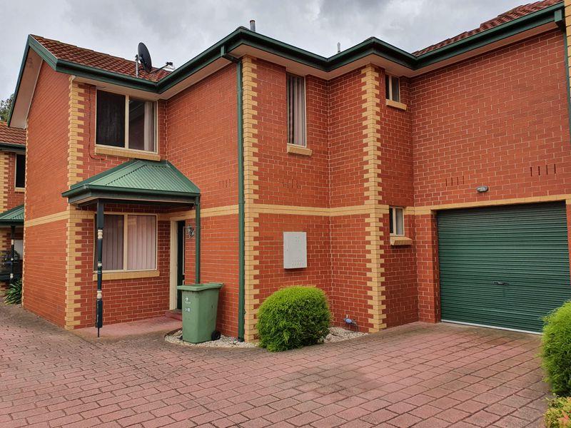 2 / 16 Gordon Street, Footscray
