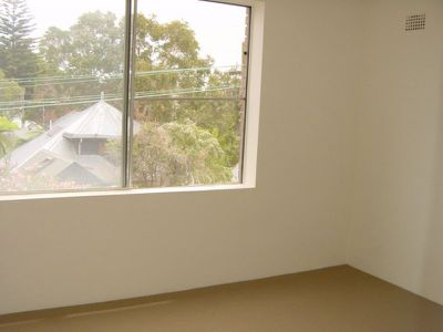 4 / 30 East Crescent Street, Mcmahons Point