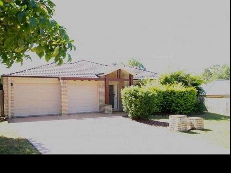 12 Piccadilly Place, Forest Lake