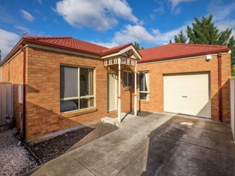 Unit 2 / 23 Chesterton Avenue, Tarneit