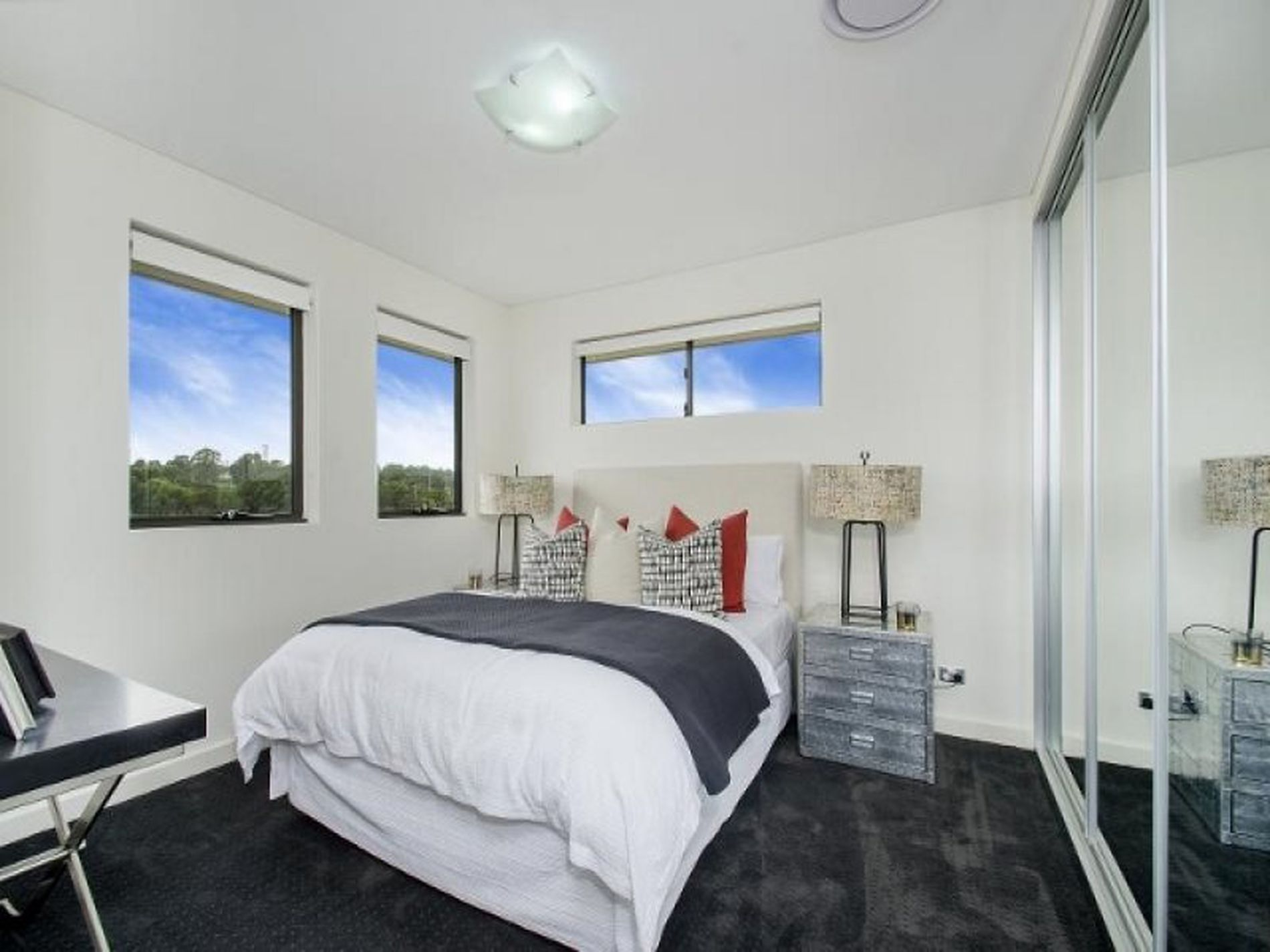 3 / 2 McCausland Place, Kellyville