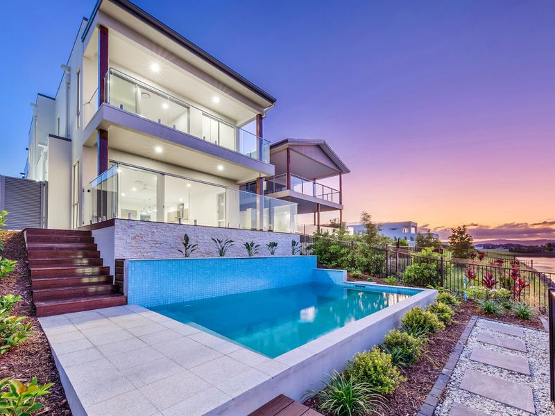 5042 Harbourview Drive, Hope Island