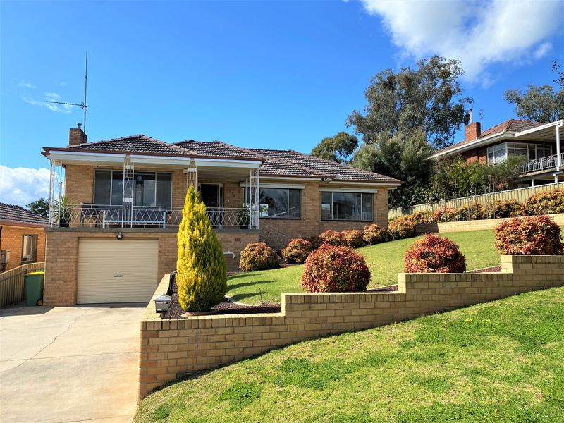 594 Whinray Crescent, East Albury